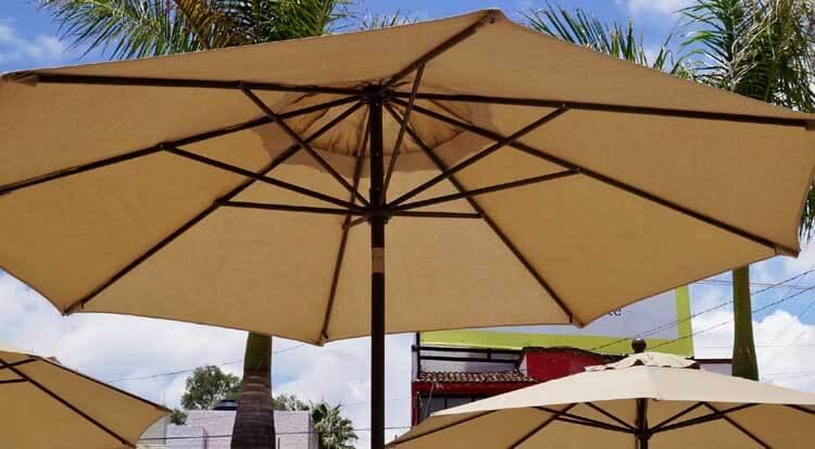 Gemeinsame Sonnenschirm entsorgen? Wir erklären wie! | Entsorgen.org @JL_77