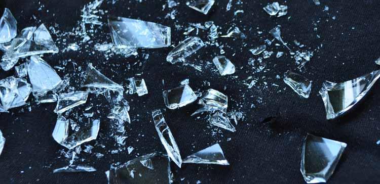 Glasscherben entsorgen